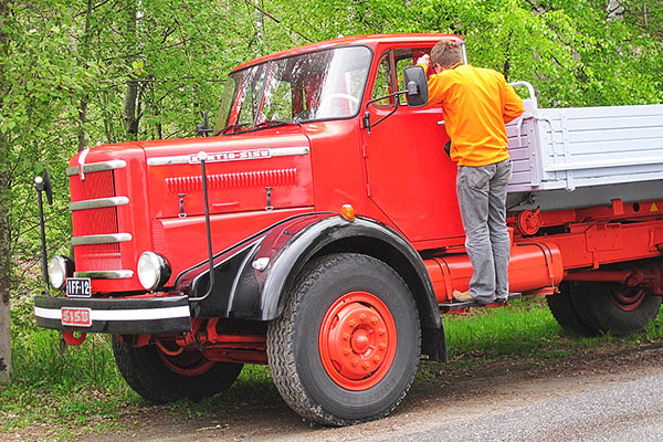 Kuorma auton p iv vanhat koneet for Linja 40 mobilia