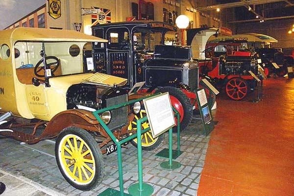 British Commercial Vehicle Museum - 100 vuotta kuljetuksia