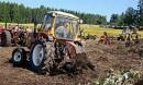 Perinteistä pellonraivausta