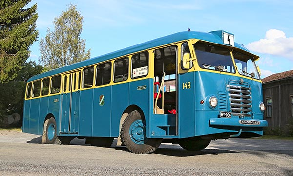 Scania-Vabis BF61V 1954 – Etukulmasta kyytiin