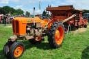 Ison talon oranssit traktorit – Fiat saroilla ja sorakuopilla